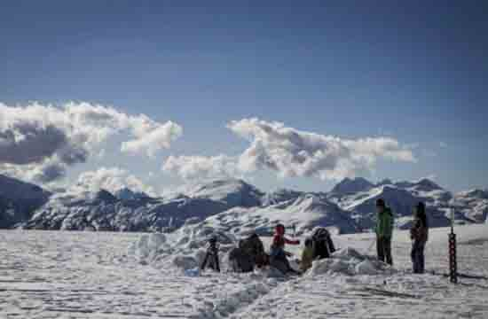 OSU Science on the Quelccaya Glacier in the Andes in Peru, photo credit to Byrd Polar and Climate Research Center