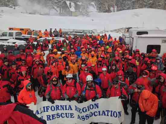"MRA met in Mammoth Lakes California to test in ""Snow and Ice"" for their yearly Re-Accreditation test, hosted in 2016 by Inyo County Search and Rescue. Credit Adorabutton."