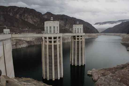 Hoover Dam's Lake Mead Intake Towers Exposed, egorshitikov, Pixaday.