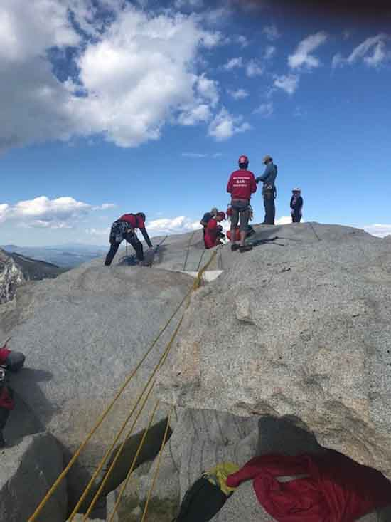 MONO SAR Technical Rescue on Third Pillar of Dana, The mechanical advantage system ready for raise. Image by J. Bush.